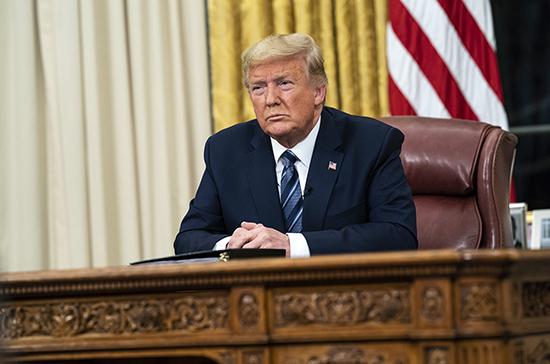 Переболевший коронавирусом Трамп вернулся к работе в Белый дом