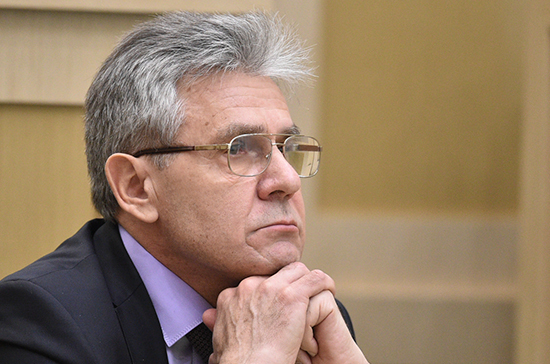 Президент РАН Сергеев предложил предоставлять молодым учёным ведомственное жильё