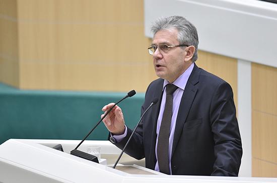 Президент РАН: уровень оснащения российских научных лабораторий сильно проигрывает мировому