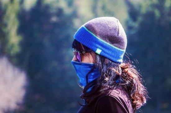 Врач рассказал, что маска и перчатки оказались надёжнее спиртовой обработки одежды от вируса
