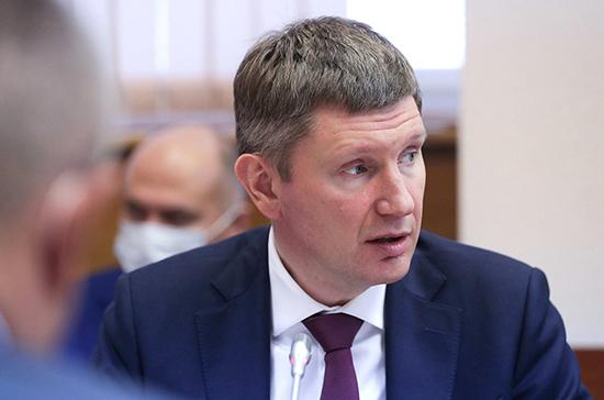 Уровень безработицы в России составил по итогам августа 6,4 %, заявил Решетников