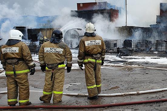 Порядка 2,4 тыс. человек эвакуировали из-за возгорания в ТЦ в Мытищах
