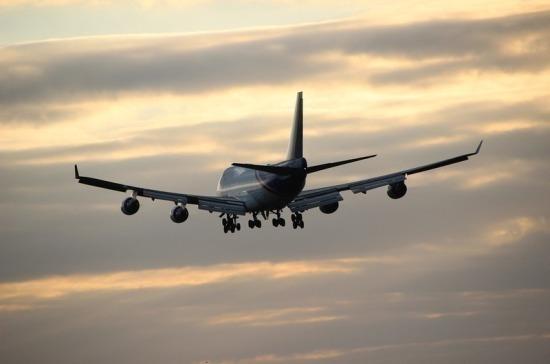 У летевшего в Москву SSJ-100 сработал датчик неисправности шасси