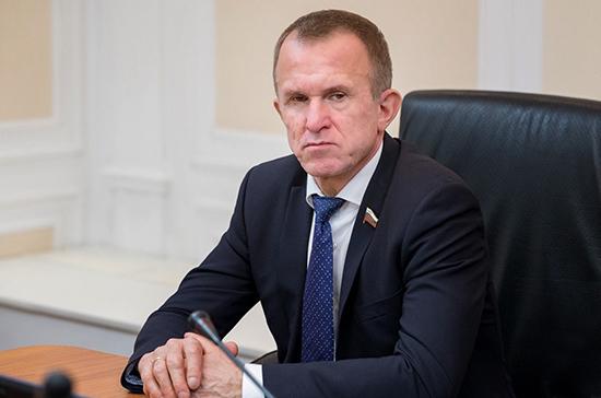 Кравченко призвал актуализировать стратегию развития малого бизнеса