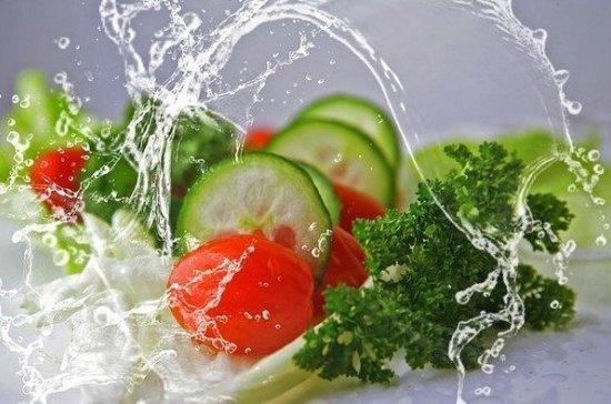 Диетолог назвала продукты, защищающие организм от заражения COVID-19