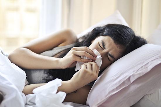 Врач предупредил о риске одновременного заражения коронавирусом и гриппом