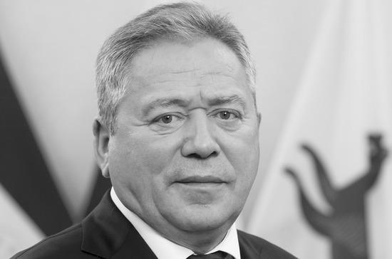 Мэр Уфы умер из-за осложнений после заражения COVID-19