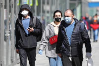 Сейм Латвии одобрил введение штрафов за отсутствие маски в общественных местах