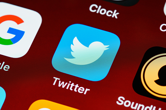 Роскомнадзор потребовал от Twitter снять ограничения к сюжету RT о США