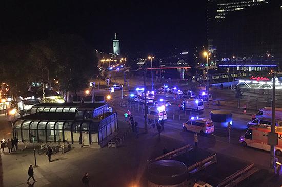 При стрельбе в Вене погибли три человека