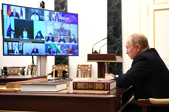 Путин поручит Минфину изучить проблему налогообложения религиозных образовательных организаций