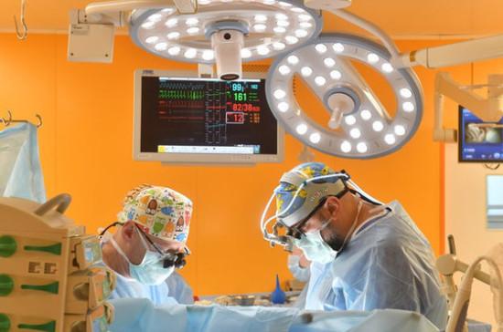 В Казани сделали первую в России успешную операцию на сердце плода