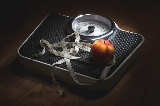 Депутат Госдумы предлагает направлять налоги от фастфуда на борьбу с ожирением