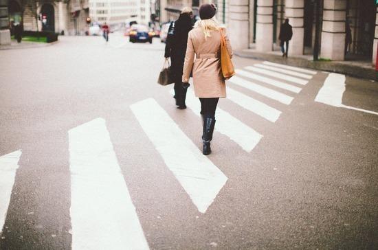 Депутат оценил новые требования к оборудованию пешеходных переходов