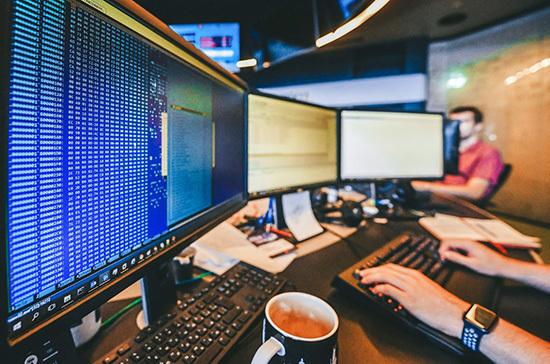 За нарушение законов IT-компаниям хотят замедлить трафик