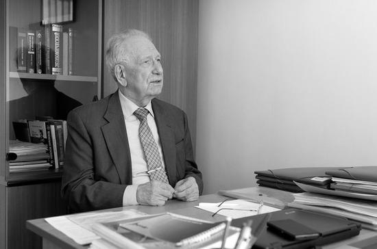 Умер первый президент Бурятии Леонид Потапов