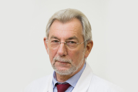 Академик Зверев: ситуация с COVID-19 нормализуется через год
