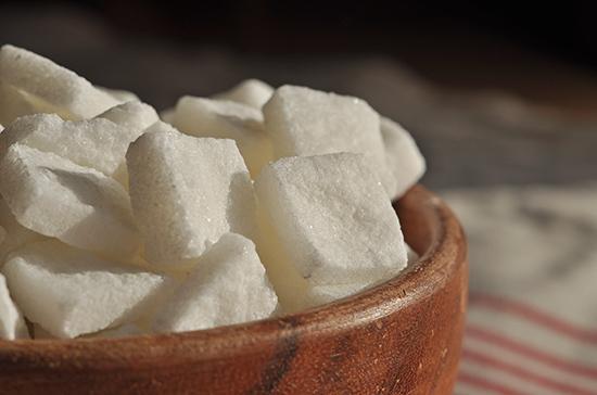 На рынке сахара планировали создать картель, сообщили в ФАС