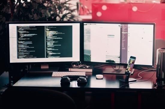 Комитет Госдумы рекомендовал отложить предустановку отечественного ПО на компьютеры