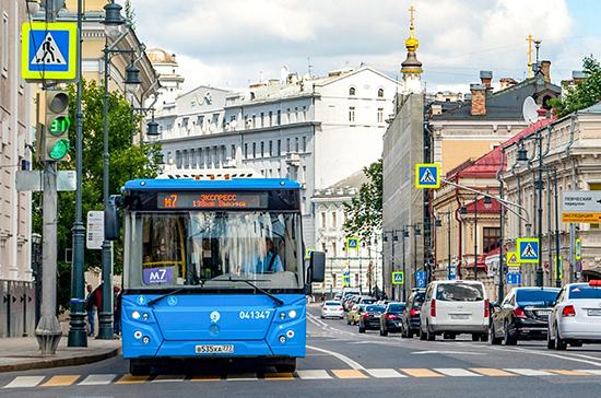 В России предложили отменить штраф за проезд по выделенной полосе ночью