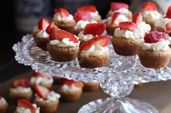 Диетолог рассказала, почему возникает желание съесть что-нибудь сладкое
