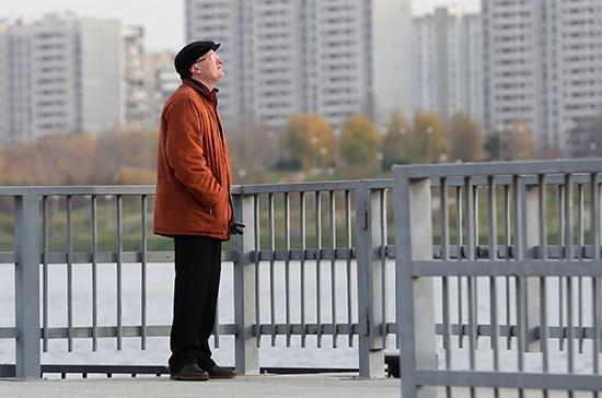 В Петербурге вступили в силу новые ограничения для пожилых