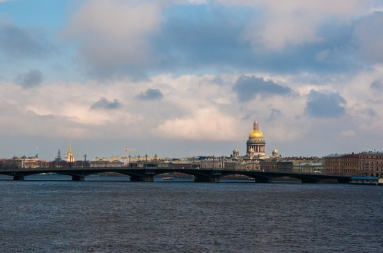 178 лет построили первый разводной мост через Неву