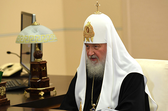 Патриарх Кирилл рассказал о допуске священников к заражённым коронавирусом