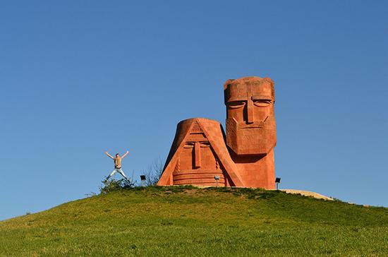 Азербайджан пообещал обеспечить доступ к памятникам и святыням в Нагорном Карабахе