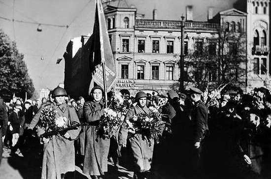 76 лет назад советская армия освободила от гитлеровцев Прибалтику