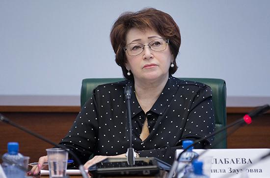 Сенатор предложила обсудить идею об акцизах на повышенное содержание сахара