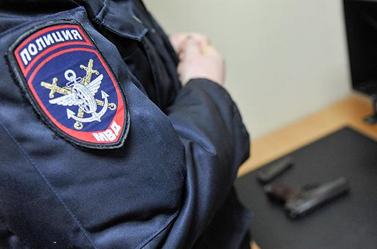 В Петербурге мужчина взял в заложники шестерых детей
