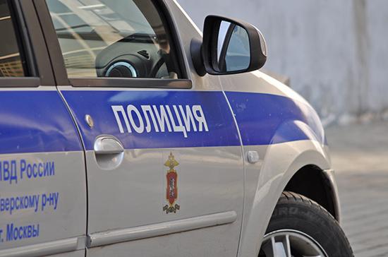 Полицейским разрешат досматривать людей и вскрывать машины