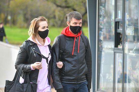 В Литве запретили собираться группами больше двух человек