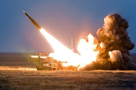 Россия не будет первой размещать запрещённые ранее ДРСМД ракеты, заявил Путин