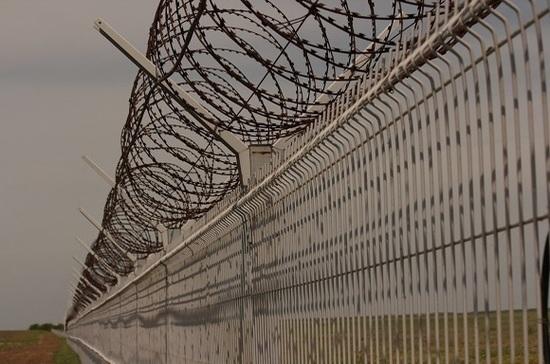 ФСБ сообщила о попытке вооружённых людей пересечь границу России