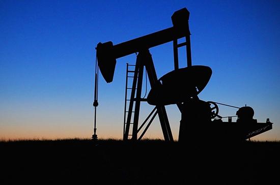 Цена нефти Brent опустилась ниже $55 за баррель