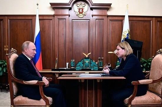 Путин напомнил, что «надо бы вернуть» часть Александро-Невской лавры