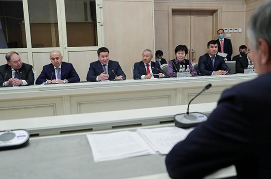 В Киргизии выступили за сохранение официального статуса русского языка