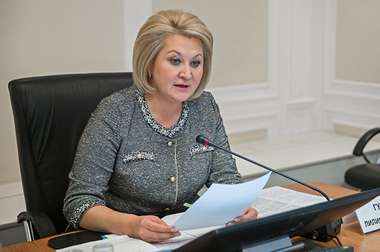 Гумерова предложила провести в школах родительские собрания по теме дистанционки