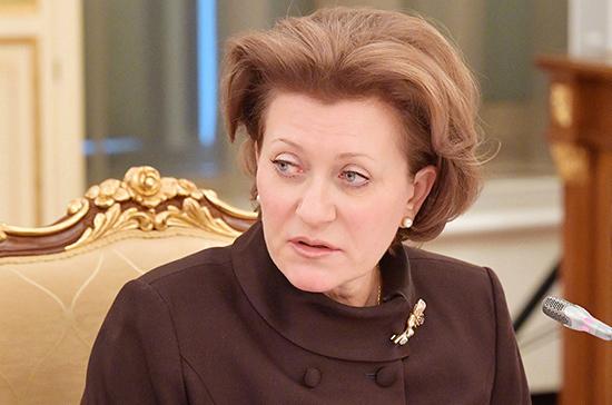 Попова назвала ограничения в Петербурге адекватными ситуации
