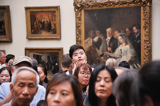 Получение российской визы упростят для туристов из-за рубежа