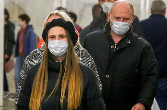 Врач рассказал об особенностях ношения защитных масок в холодное время года