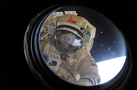 Зарплаты космонавтов поднимут на треть