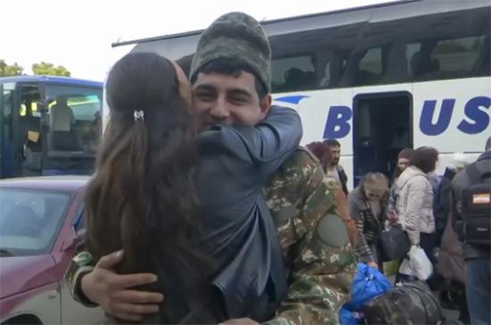 В Баку сообщили о начале обмена пленными между Азербайджаном и Арменией