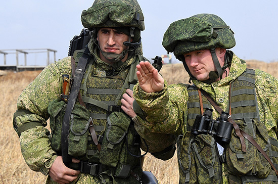 Госдума заново приняла закон о присвоении воинских званий преподавателям