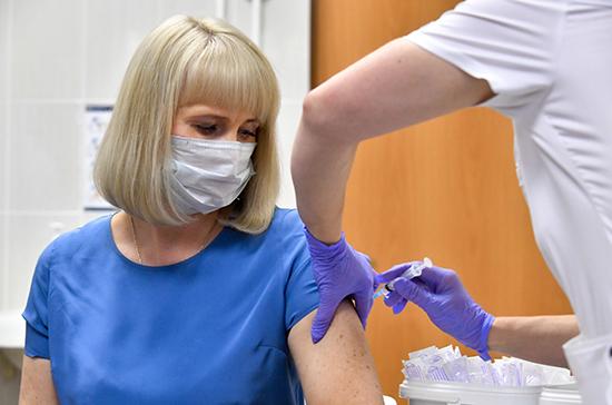 Роспотребнадзор ответил на главные вопросы о прививке от коронавируса
