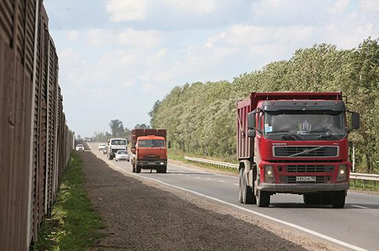 С большегрузов с временными номерами хотят брать плату за ущерб дорогам