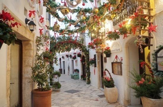 В Италии на Рождество и Новый год хотят ввести режим «красной зоны»