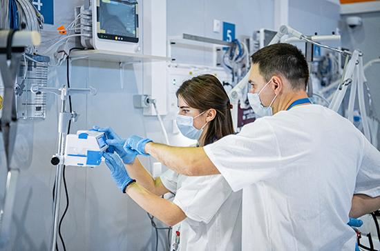 В Москве половина врачей уже переболела COVID-19
